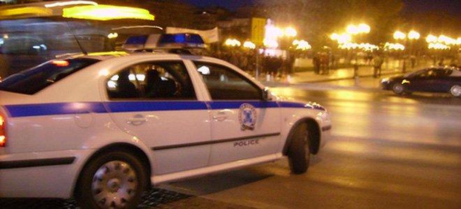 Άγνωστοι επιτέθηκαν με βόμβες μολότοφ στις 05:30 στο Αστυνομικό Τμήμα Πεντέλης, στην οδό 25ης Μαρτίου.