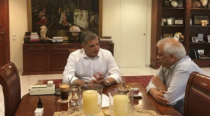 Τη συνδρομή του Δήμου Αμαρουσίου για την επαναλειτουργία του Σικιαριδείου Ιδρύματος ζήτησε ο νέος Πρόεδρος του Δ.Σ. κ. Θεόδωρος Παρασκευόπουλος από το Δήμαρχο Αμαρουσίου κ. Γιώργο Πατούλη, κατά τη συνάντηση που είχαν στο Δημαρχείο, τη Δευτέρα 8 Μαϊου 2017.
