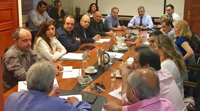 Συνάντηση εργασίας με τον Σύλλογο Γονέων και τους Διευθυντές του 16ου Δημοτικού Σχολείου και του 10ου Νηπιαγωγείου είχε ο Δήμαρχος Αμαρουσίου κ. Γιώργος Πατούλης.
