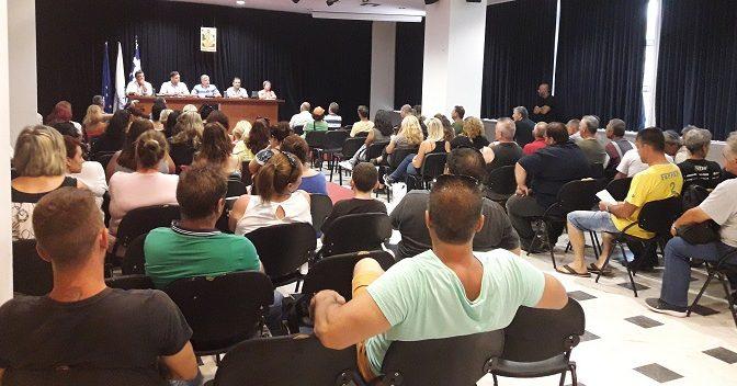 Στην υπογραφή νέων συμβάσεων εργασίας με όλους τους ήδη εργαζόμενους 8μηνιτες συμβασιούχους στην Καθαριότητα προχωρεί ο Δήμος Αμαρουσίου, μετά την ομόφωνη απόφαση που ελήφθη από το Δημοτικό Συμβούλιο στη συνεδρίαση της 11ης Ιουλίου 2017, με εισήγηση του Δημάρχου Αμαρουσίου κου Γιώργου Πατούλη.