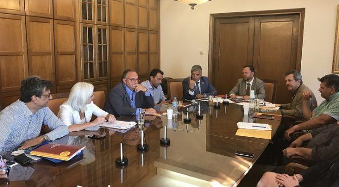 Την έναρξη του προγράμματος επιχορήγησης δήμων για την εκπόνηση μελετών για την ωρίμανση έργων υποδομής από πόρους του Ταμείου Παρακαταθηκών και Δανείων, συμφώνησαν ο Πρόεδρος της ΚΕΔΕ Γ. Πατούλης και ο Πρόεδρος του Ταμείου Κ. Βαρλαμίτης.