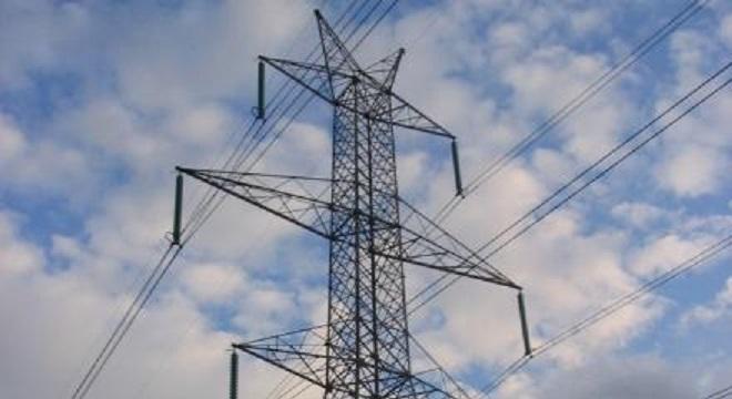 Χθες Πέμπτη 7 Σεπτεμβρίου συζητήθηκε στο Περιφερειακό Συμβούλιο υπ΄αρ. 9 το θέμα της αλλαγής δρομολόγησης των δύο (2) γραμμών υπερυψηλής τάσεως 400 kV που διέρχονται εντός του οικιστικού ιστού στη Δ.Κ. Ν. Πεντέλης (Περιβαλλοντικοί Όροι υλοποίησης της μελέτης).