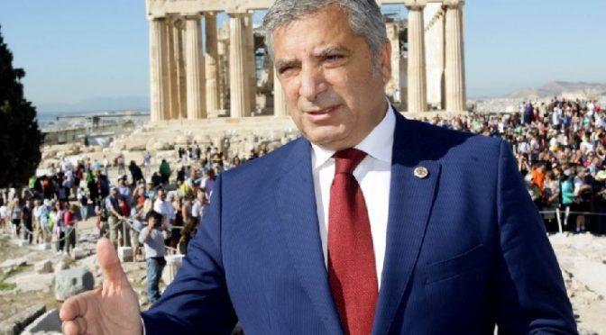 """""""Τα διαρκώς επαναλαμβανόμενα κρούσματα βανδαλισμών και καταστροφών σε γειτονιές της Αθήνας, αλλά και σε άλλες πόλεις της χώρας, αναδεικνύουν την αναποτελεσματικότητα και τον ελλιπή επιχειρησιακό σχεδιασμό των αρμόδιων οργάνων της Πολιτείας"""", αναφέρει η ανακοίνωση που εξέδωσε ο πρόεδρος της ΚΕΔΕ, Γιώργος Πατούλης."""