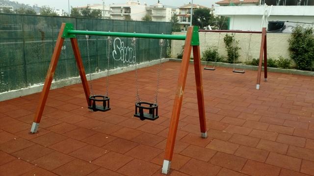 Δόθηκαν σε χρήση ακόμα δύο παιδικές χαρές στο Δήμο Πεντέλης. Αυτές βρίσκονται στη Νταού Πεντέλης και επί των οδών Τσιμπρικίδη και Ρήγα Φεραίου στη Δ.Κ. Μελισσίων.