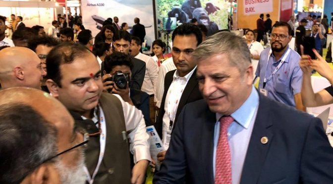 O Πρόεδρος της ΚΕΔΕ Γ. Πατούλης μετέβη στην Ινδία, εκπροσωπώντας την Ελληνική Αυτοδιοίκηση στην Παγκόσμια Έκθεση Τουρισμού «Outbound Travel Mart» που πραγματοποιείται στη Βομβάη, στην οποία συμμετέχει η ΚΕΔΕ σε συνεργασία με τον ΕΟΤ και το υπουργείου Τουρισμού.