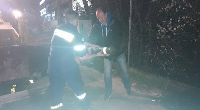 Τροχαίο ατύχημα χθες αργά το βράδυ στην Αναπαύσεως στο ρεύμα από Λεωφόρο Πεντέλης προς τον Γέρακα στο ύψος της Shell.