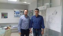 Ο δήμαρχος Βριλησσίων Ξένος Μανιατογιάννης συναντήθηκε την Τετάρτη 2 Μαΐου με τον πρόεδρο της Επιτροπής ΟΤΑ του Επαγγελματικού Επιμελητηρίου Αθηνών και Γ' Αντιπρόεδρο του Ε.Ε.Α. Ηλία Μάνδρο, στο πλαίσιο της συνεργασίας μεταξύ των δύο φορέων για τη στήριξη των επαγγελματιών κάθε περιοχής.