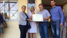 Στο πλαίσιο του καινοτόμου προγράμματος FollowGreen του Δήμου Βριλησσίων για την περιβαλλοντική ευαισθητοποίηση και επιβράβευση σχολείων σε θέματα ανακύκλωσης, χθες Τρίτη 11 Σεπτεμβρίου, μετά το πέρας των αγιασμών, απονεμήθηκαν οι τιμητικοί έπαινοι στα σχολεία που διακρίθηκαν στο μαθητικό διαγωνισμό 'Ανακυκλώνουμε γιατί μετράει'.
