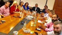 Ευρεία σύσκεψη με τη συμμετοχή του Δημάρχου Αμαρουσίου Γιώργου Πατούλη, εκπροσώπων της Διοίκησης του Δήμου Αμαρουσίου, δημοτικών συμβούλων, του προέδρου του Εμπορικού Συλλόγου Αμαρουσίου Γιάννη Νικολαράκου, πραγματοποιήθηκε στο Δημαρχείο της πόλης.