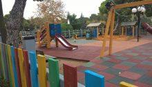 Εργασίες, με έμφαση στην ασφάλεια, αλλά και εγκαταστάσεις νέων παιχνιδιών γίνονται σε δέκα παιδικές χαρές του Δήμου Κηφισιάς ενώ, σύμφωνα με την παρακάτω ανακοίνωση του Δήμου, οι εργασίες θα συνεχιστούν σε άλλες 26 μέσα στο 2019: