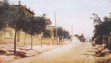 Η Λεωφόρος Πεντέλης το 1930. Η λήψη της φωτογραφίας πρέπει να έγινε περίπου στο ύψος του Χαλανδρίου.
