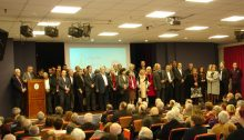 Στο ασφυκτικά γεμάτο Πολιτιστικό Κέντρο των Μελισσίων ανακήρυξε την υποψηφιότητά του και παρουσίασε 50 υποψηφίους του συνδυασμού«Δημοτική Συμμαχία» ο Δήμαρχος Πεντέλης Δημήτρης Στεργίου Καψάλης.