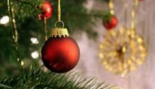 Από σήμερα μέχρι και την Κυριακή ανάβουν τα Χριστουγεννιάτικα δέντρα τους οι Δήμοι Αμαρουσίου, Βριλησσίων, Κηφισιάς, Πεντέλης και Χαλανδρίου με συναυλίες γνωστών καλλιτεχνών, φιλαρμονικές και γιορτινή ατμόσφαιρα.