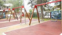 """""""Ο Δήμος μας μέσα απ' την προσπάθεια αναβάθμισης και εκσυγχρονισμού των κοινόχρηστων χώρων και δίνοντας ιδιαίτερη σημασία στην ψυχαγωγία και διασκέδαση των παιδιών προέβη στην ανακαίνιση των παιδικών του χαρών."""