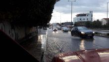 Πλημμυρισμένη αυτή την ώρα η οδός Αναπαύσεως στα Βριλήσσια.