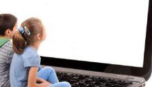 """Ο Σύλλογος Γονέων και Κηδεμόνων του 9ου Δημοτικού Σχολείου Χαλανδρίου προσκαλεί γονείς και κηδεμόνες στην ενημερωτική εκδήλωση, με θέμα: """"Γονείς και Διαδίκτυο. Οι κίνδυνοι – παγίδες του διαδικτύου και οι τρόποι αντιμετώπισης για τα παιδιά και τους γονείς""""."""