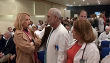 Στη συστηματική υποστήριξη της δημόσιας υγείας από την Περιφέρεια Αττικής, μία «στρατηγική επιλογή» που υπηρετεί τον κοινωνικό ρόλο που οφείλει να έχει η σύγχρονη Τοπική Αυτοδιοίκηση, αναφέρθηκε, μεταξύ άλλων, η Περιφερειάρχης Ρένα Δούρου, στον σύντομο χαιρετισμό της κατά την εκδήλωση για την κοπή της πρωτοχρονιάτικης πίτας του Γενικού Νοσοκομείου Αττικής «Σισμανόγλειο», στην οποία συνοδευόταν από τον Περιφερειακό Σύμβουλο Φώτη Χρυσικό.