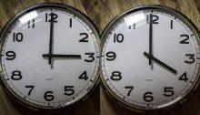 Αλλάζει η ώρα και έτσι στις 3:00 τα ξημερώματα της Κυριακής 31 Μαρτίου οι δείκτες των ρολογιών θα προχωρήσουν μια ώρα μπροστά για να δείξουν 4:00.