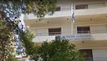 Συνελήφθη επ' αυτοφώρω, μεσημβρινές ώρες της 4-10-2019 στα Βριλήσσια, από αστυνομικούς του Τμήματος Ασφαλείας Βριλησσίων, 33χρονος Έλληνας ο οποίος προσποιούμενος τον τεχνικό εταιρείας παροχής ηλεκτρικού ρεύματος, επιχείρησε να μπει στο σπίτι ηλικιωμένης.