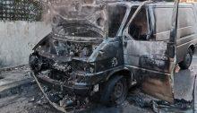 Φωτιά ξέσπασε σε αυτοκίνητο στα Βριλήσσια.