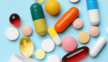 Μόνο με ιατρική συνταγή θα χορηγούνται από σήμερα τα αντιβιοτικά, σύμφωνα με απόφαση του υπουργείου Υγείας που είχε ληφθεί από τον Φεβρουάριο.