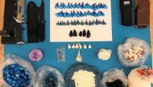 Από την Υποδιεύθυνση Δίωξης Ναρκωτικών της Διεύθυνσης Ασφάλειας Αττικής εξαρθρώθηκε εγκληματική οργάνωση, που δραστηριοποιούνταν συστηματικά στη διακίνηση ποσοτήτων κοκαΐνης σε διάφορες περιοχές της Αττικής.