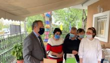Ο Γ.Κουμουτσάκος, Βουλευτής Β1 του Βόρειου Τομέα Αθηνών, επισκέφτηκε την 1η Απριλίου 2021, τις Στέγες «Το Ψαραυτείο 1 & 2» στο Μαρούσι, του Ιδρύματος Περιθάλψεως ατόμων με νοητική υστέρηση ή σύνδρομο Down «Μαρία Κόκκορη» της Ιεράς Αρχιεπισκοπής Αθηνών